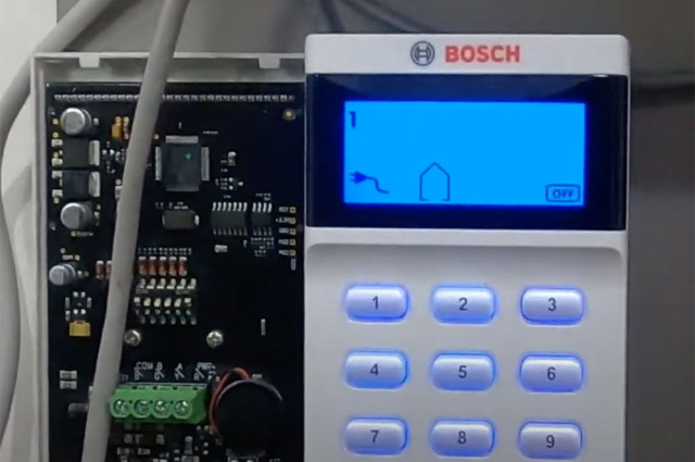 Add remotes using the WE800 to Bosch 2000/3000 alarm
